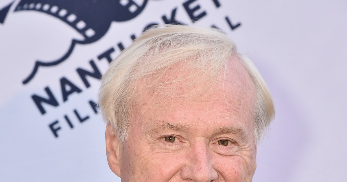 Photo of Chris Matthews Apologizes for 'Bill Cosby Pill' Joke Before Hillary Clinton Interview