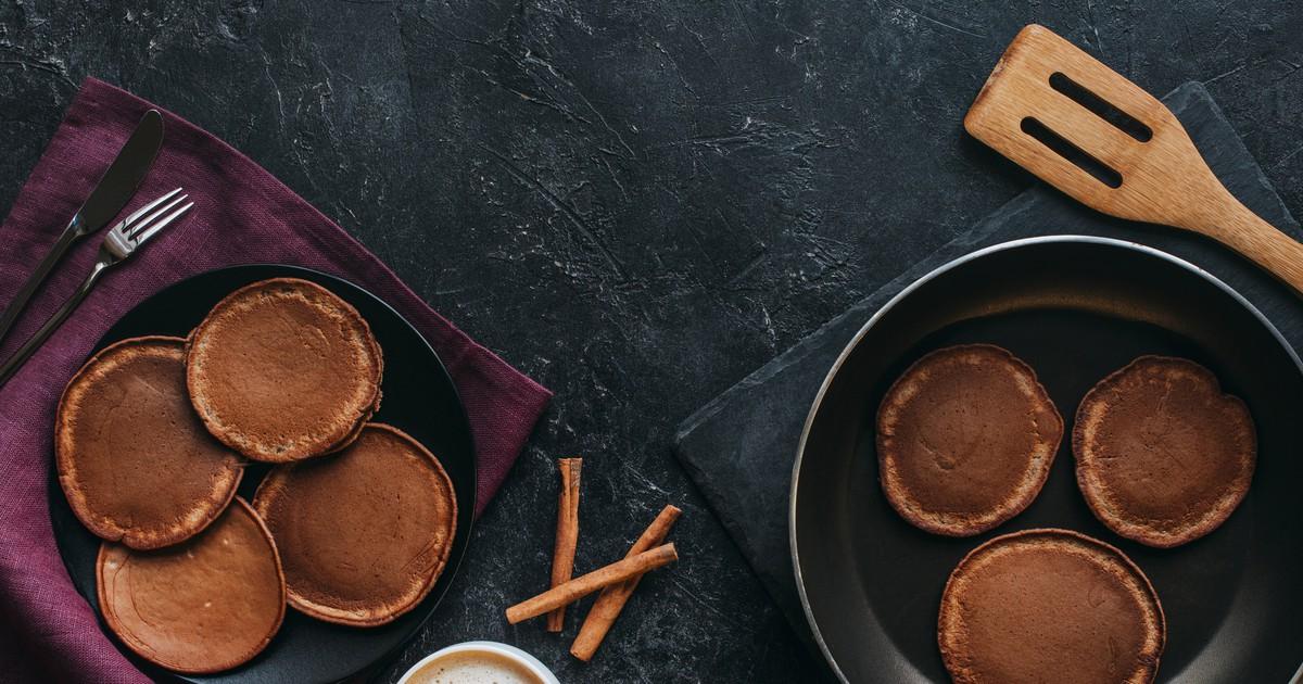 Фото Шоколадные панкейки с корицей