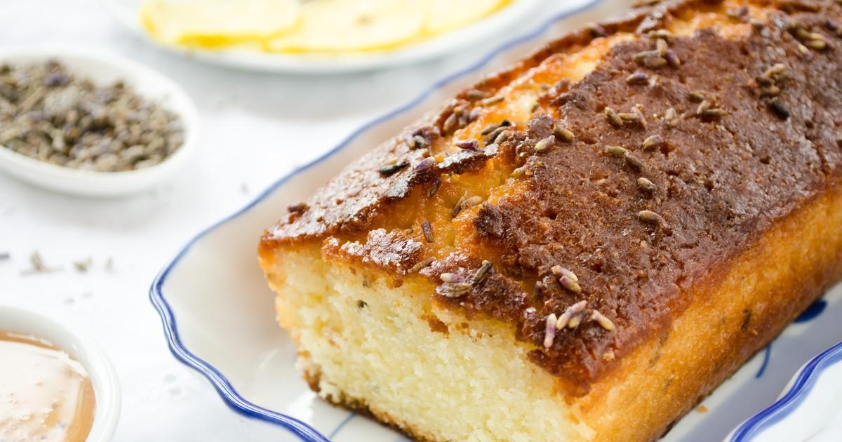 Фото Лавандовый кекс с лимонной глазурью