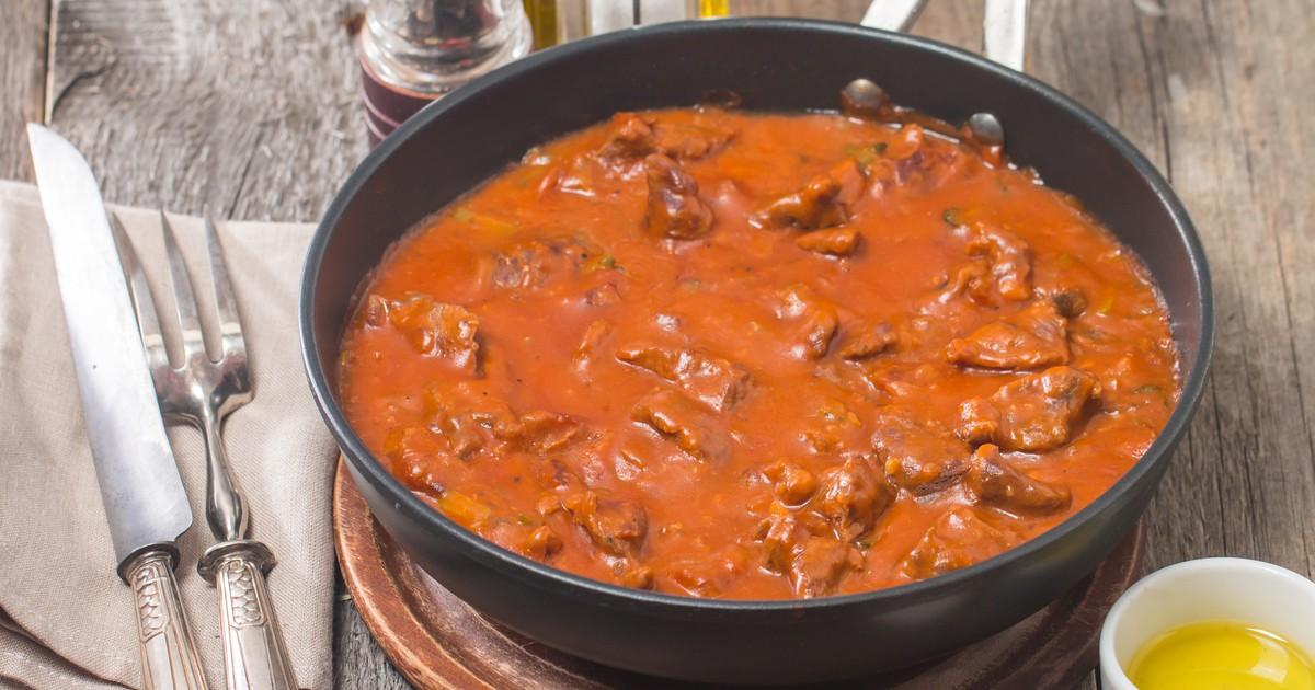 Фото Тушеная говядина в томатном соусе