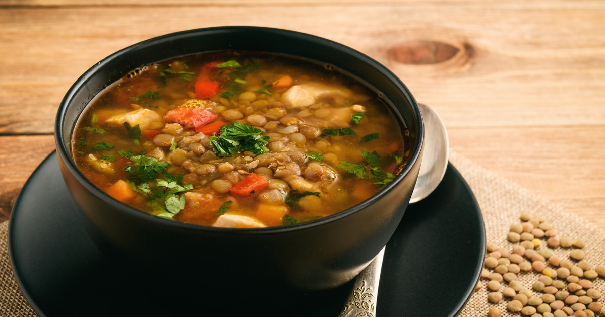 Фото Наваристый суп с зеленой чечевицей и индейкой