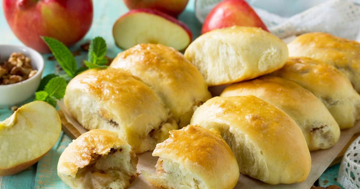 Фото Домашние пирожки с яблоками из творожного теста