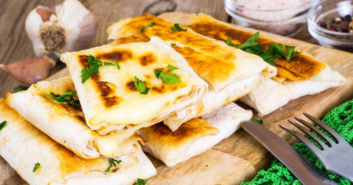 Фото Вкуснейшая курица с сыром в лаваше
