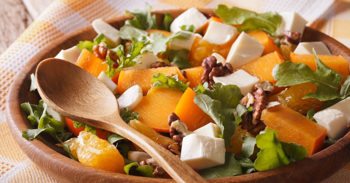Фото Салат с хурмой, апельсинами и сыром