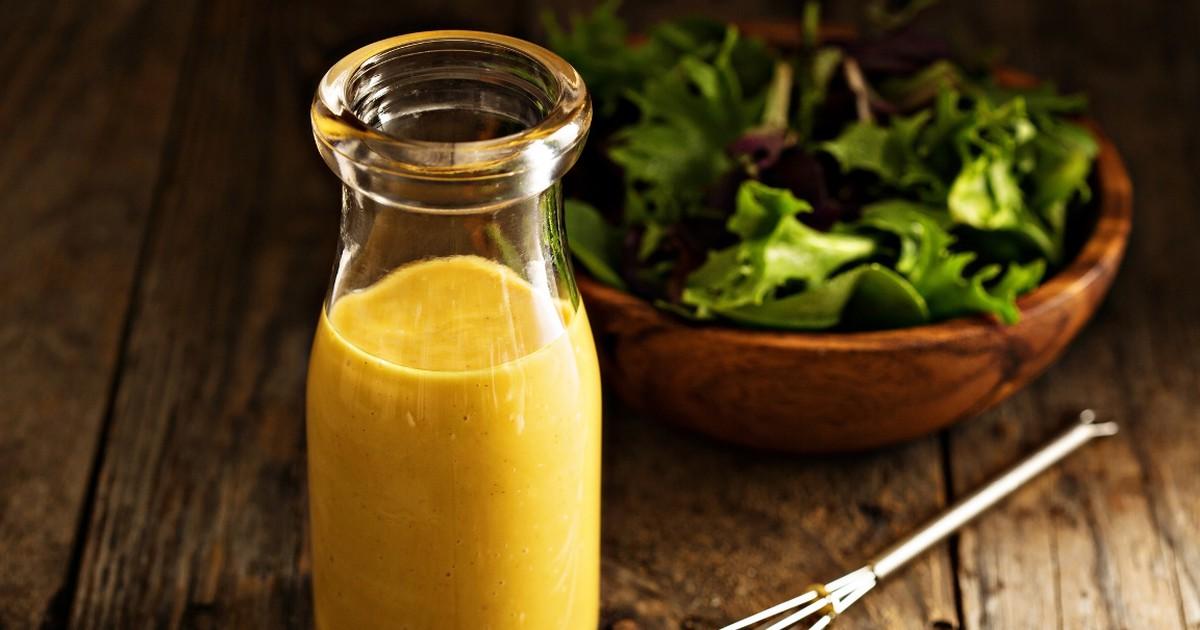 Фото Пикантная медово-горчичная заправка для салата