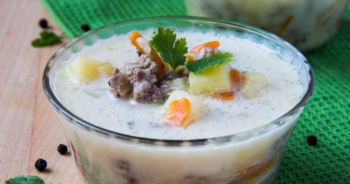 Фото Нежный кремовый суп с ярко выраженным сырным вкусом.