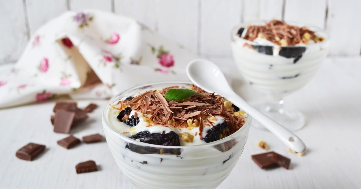 Фото Сливочный десерт с черносливом и орехами