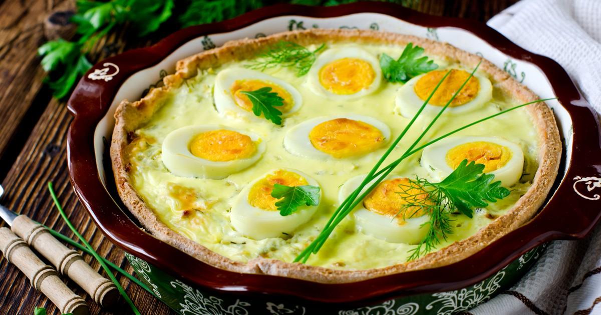 Фото Киш с молодой капустой и яйцами