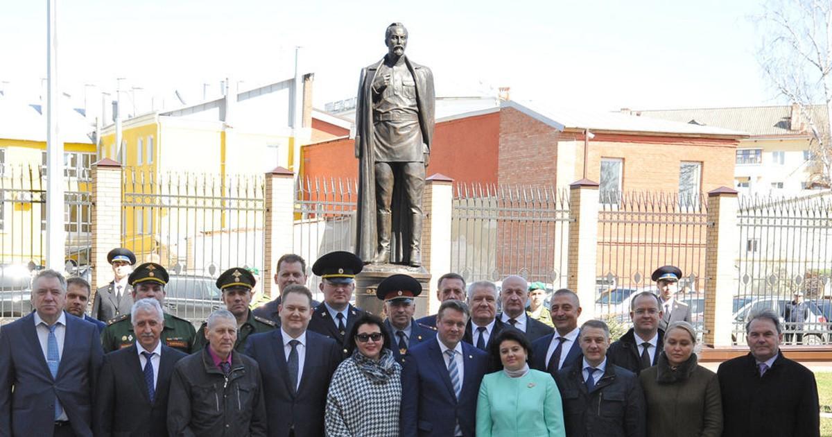 Фото В Рязани открыли памятник Дзержинскому