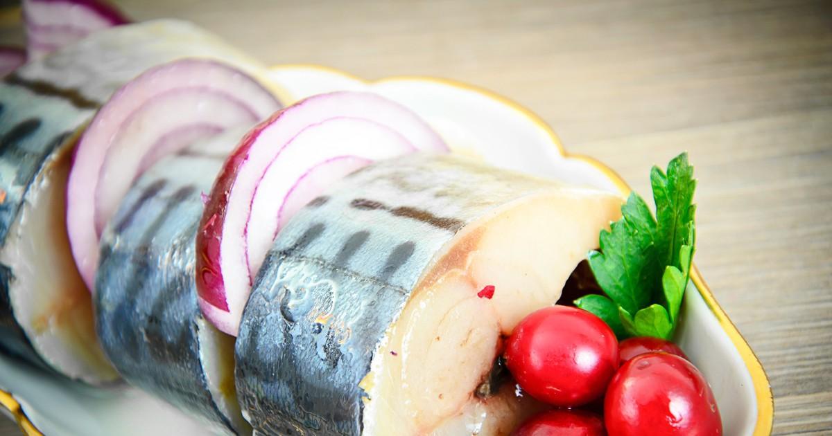 Фото Вкуснейшая скумбрия, маринованная в яблочном уксусе