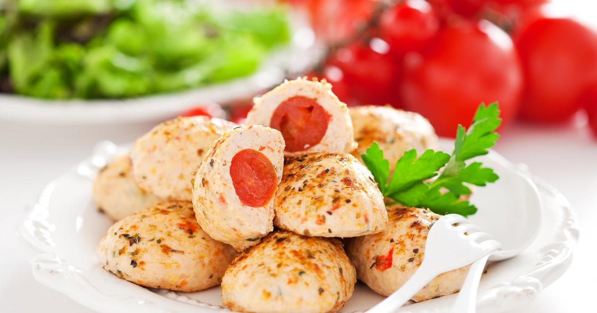 Фото Куриные котлеты с помидорами черри