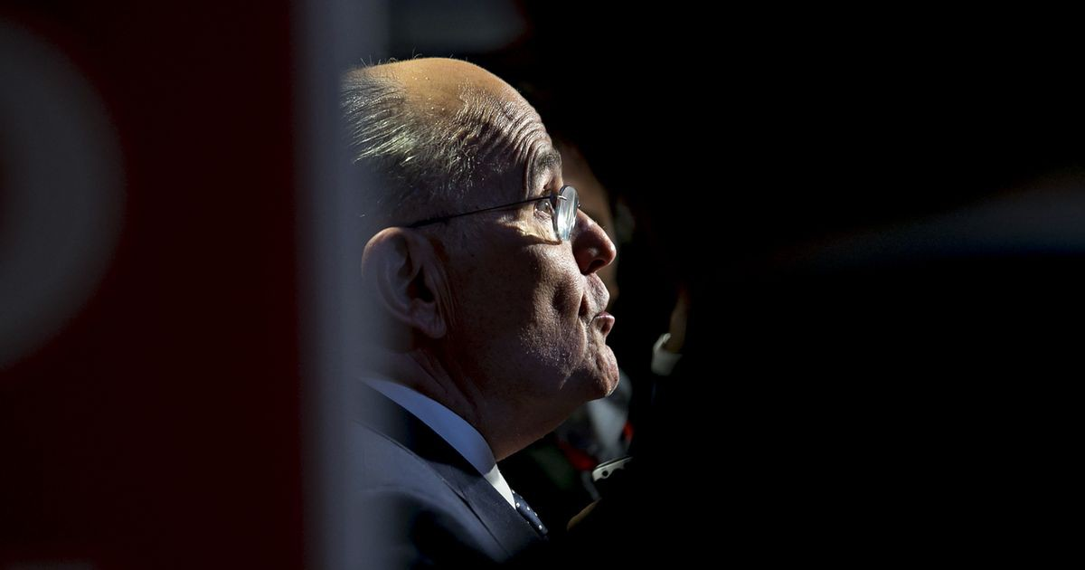 Photo of Giuliani Accuses Mueller of Leading 'Rigged' Probe Into Trump