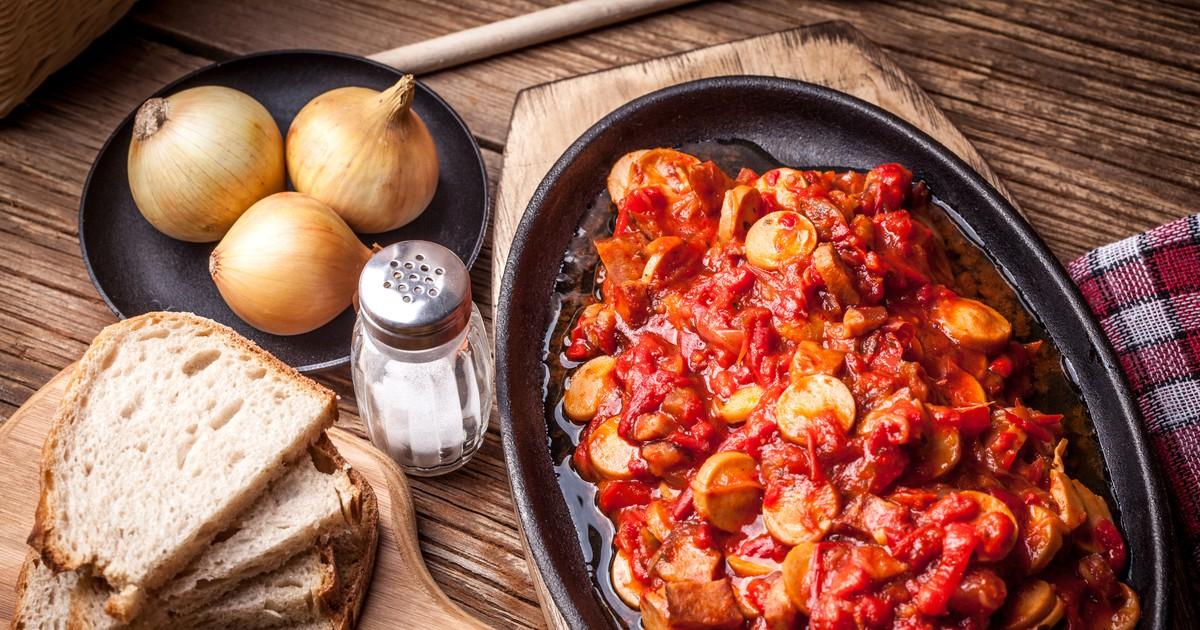 Фото Лечо по-венгерски с сосисками