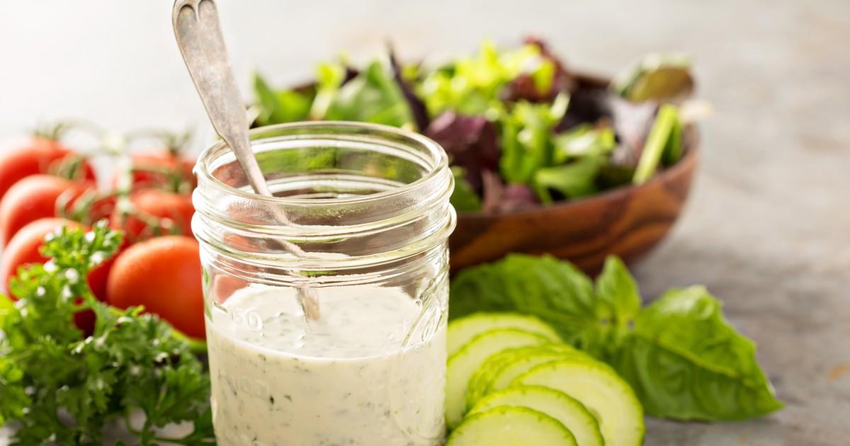 Фото Соус Ранчо - это отличная идея домашнего соуса для заправки салатов.