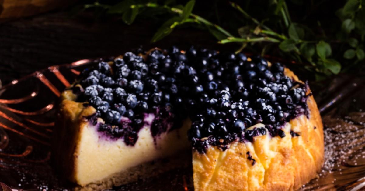 Фото Нежный творожник с ягодами