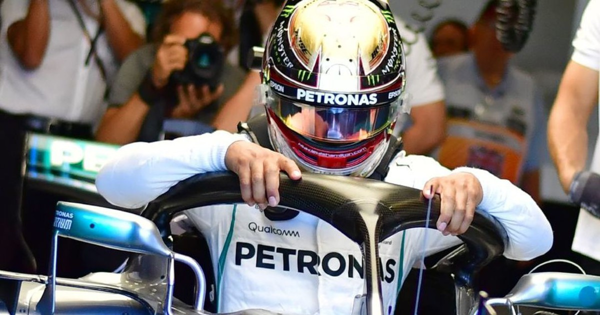 Photo of Lewis Hamilton back on top in final practice at British GP