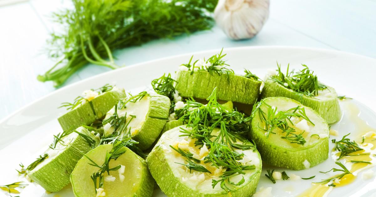 Фото Пока не закончился сезон кабачков, предлагаем вам приготовить тушеные кабачки со сметаной.