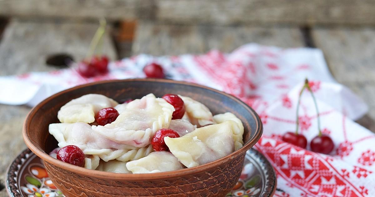 Фото Вкуснейшие вареники с вишнёвой начинкой