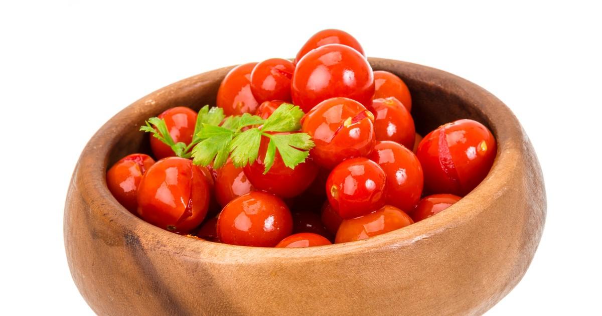 Фото Малосольные помидоры черри в пакете