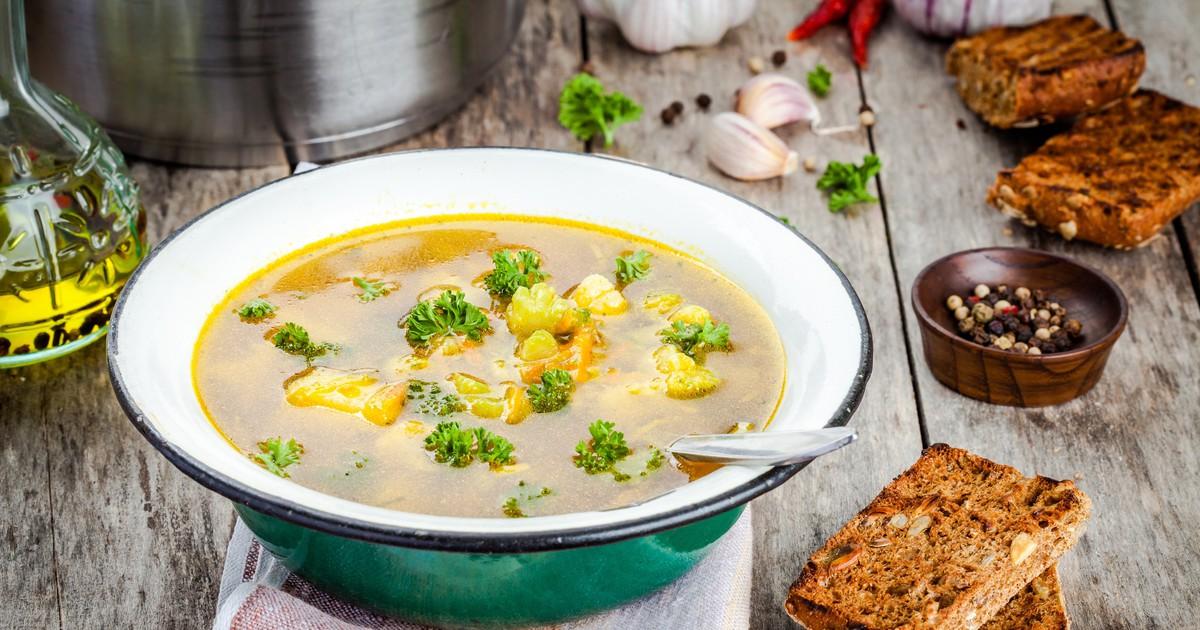 Фото Овощной суп с брокколи и цветной капусты