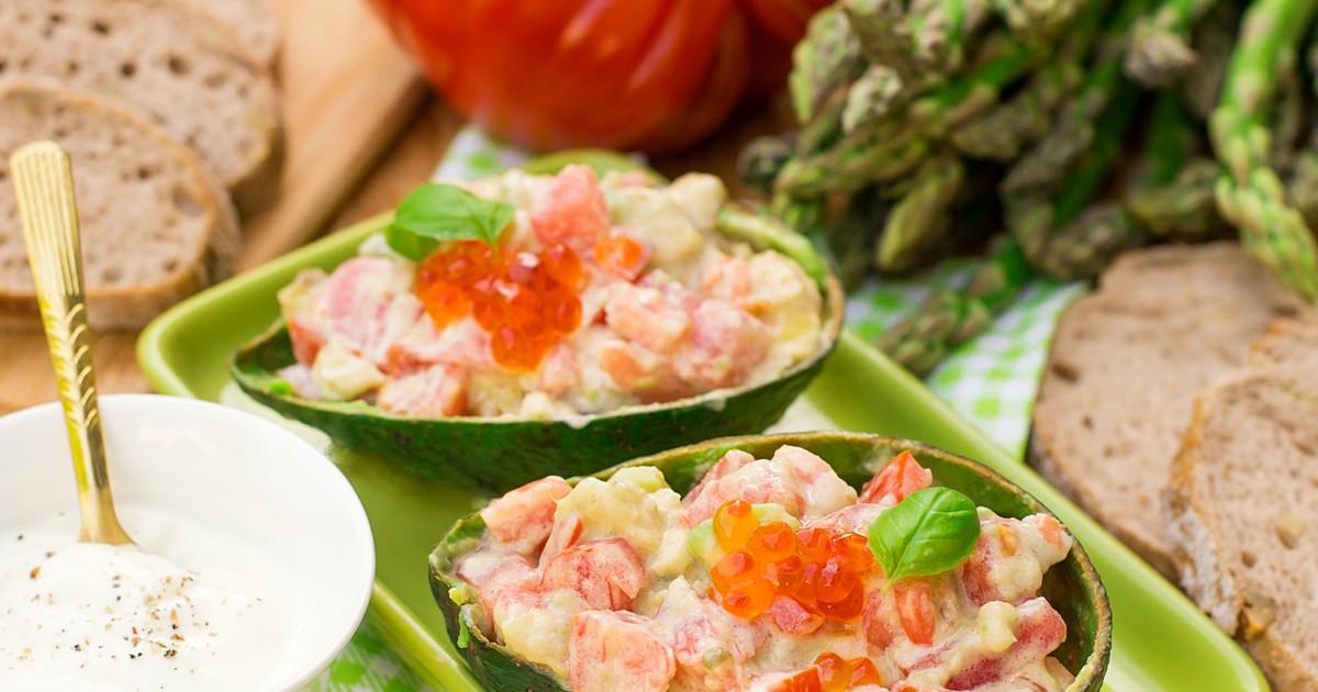 Фото Салат из авокадо с помидорами и пикантной заправкой