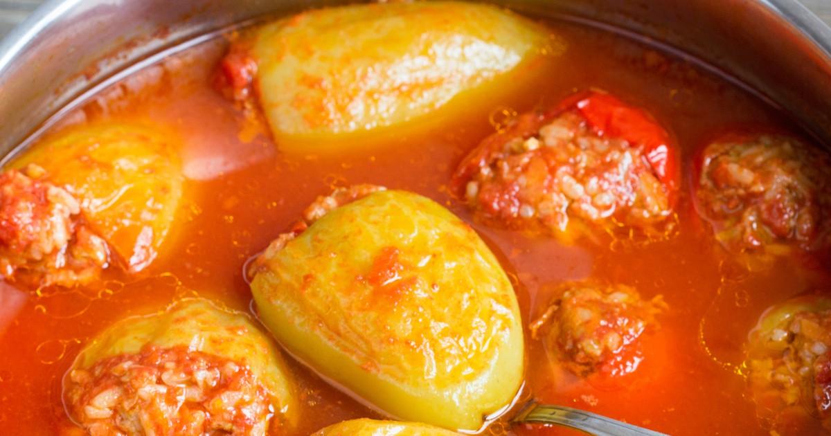 Фото Фаршированный перец в томатном соусе