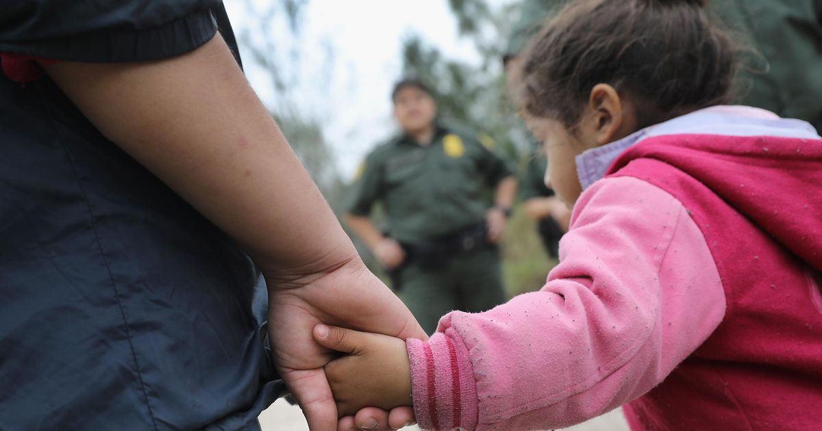 Photo of Trump Opposes Letting Deported Parents Return to Get Their Kids