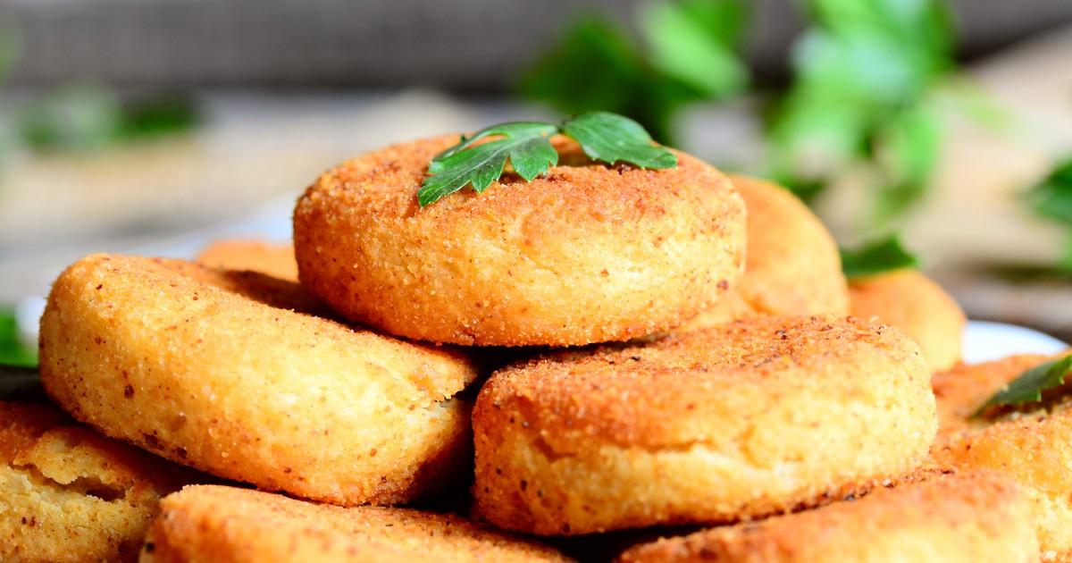 Фото Нутовые котлеты - это очень полезное блюдо. Кроме этого, они получается очень вкусными, пышными и смогут приятно удивить не только вас, но и всю вашу семью.