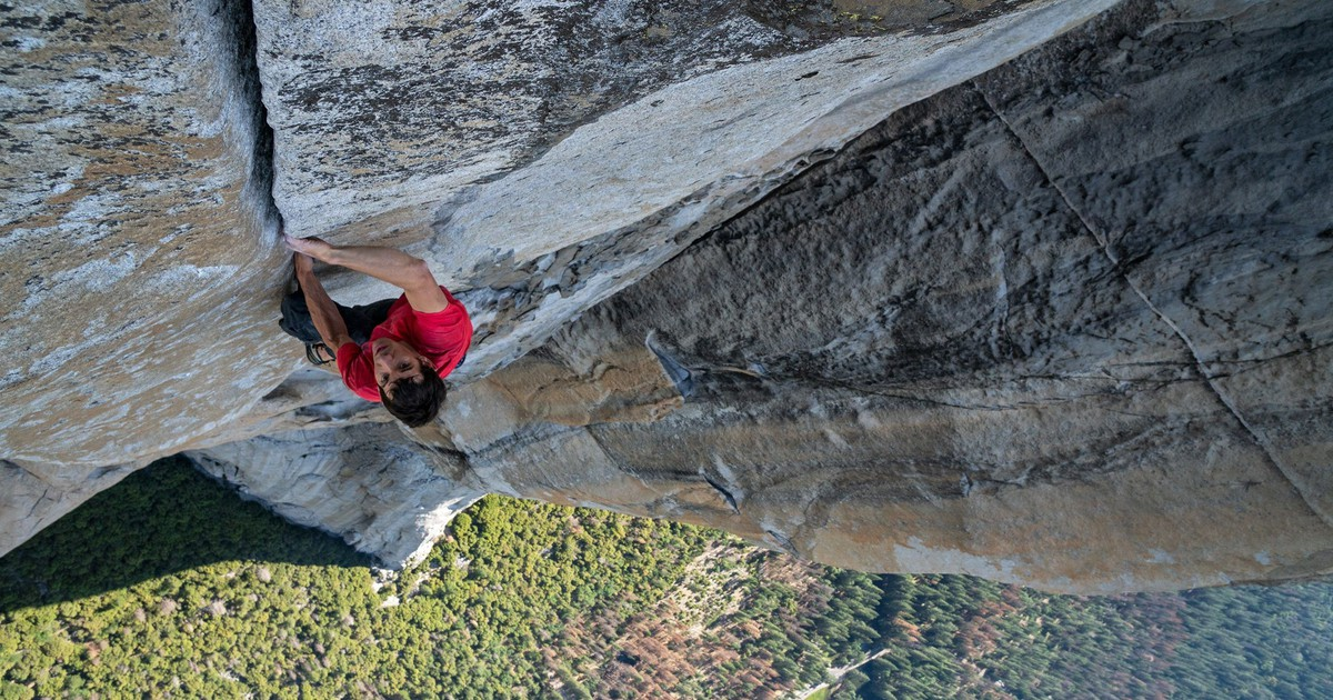 """Photo of In a great year for documentaries, """"Free Solo"""" set a record"""