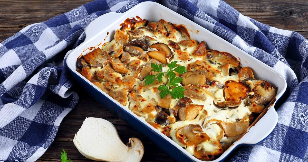 Фото Белые грибы с картофелем в сметанном соусе