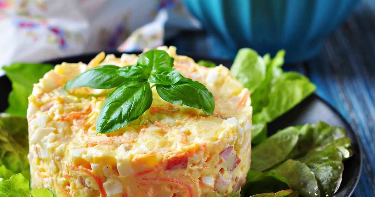 Фото Салат с ветчиной, сыром и корейской морковью