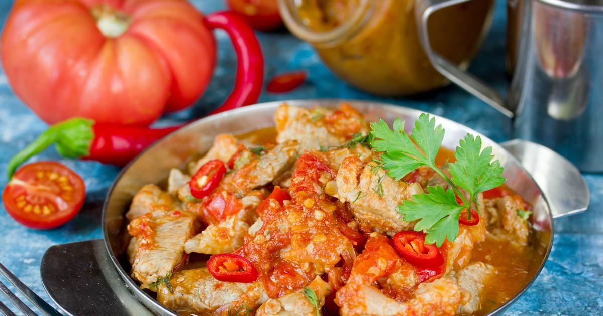 Фото Свинина в остром томатном соусе