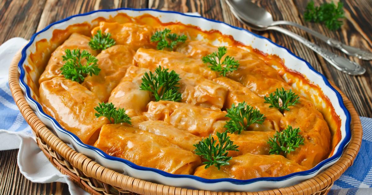 Фото Голубцы в томатно-сметанном соусе в духовке