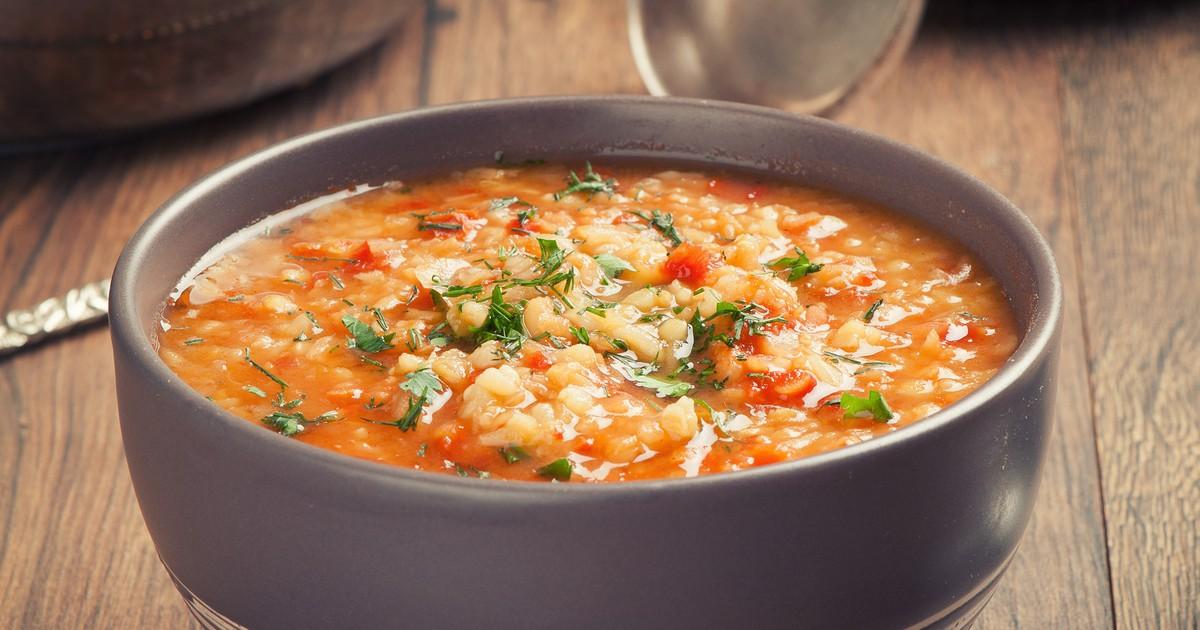 Фото Томатный суп с булгуром и чечевицей