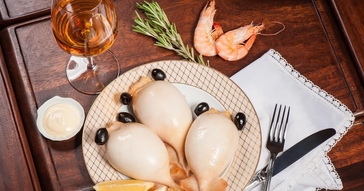 Фото Аппетитные фаршированные кальмары