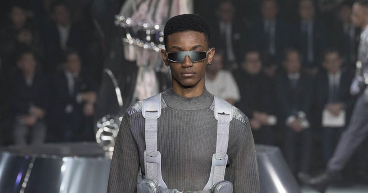 Photo of Kim Jones Channels Hajime Sorayama's Sexy Robots for Dior's Pre-Fall Menswear