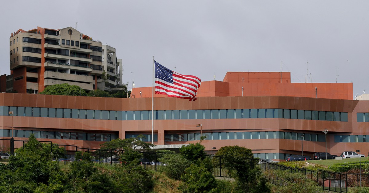 Photo of As Venezuela crisis deepens, US embassy faces security challenge
