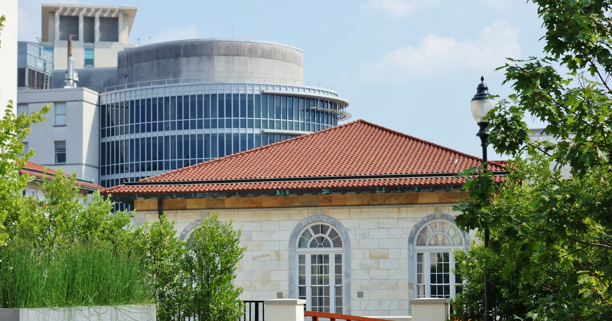 Photo of Emory University Plans To Review Racist Yearbook Photos
