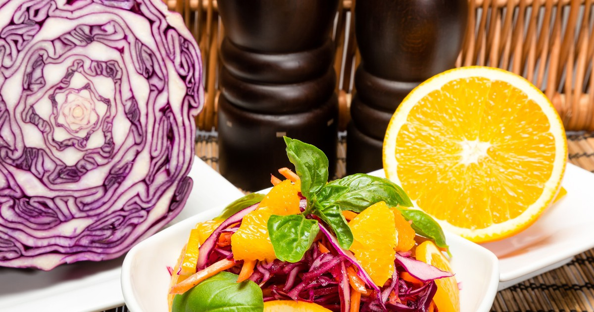 Фото Рецепт приготовления салата из краснокочанной капусты с апельсином