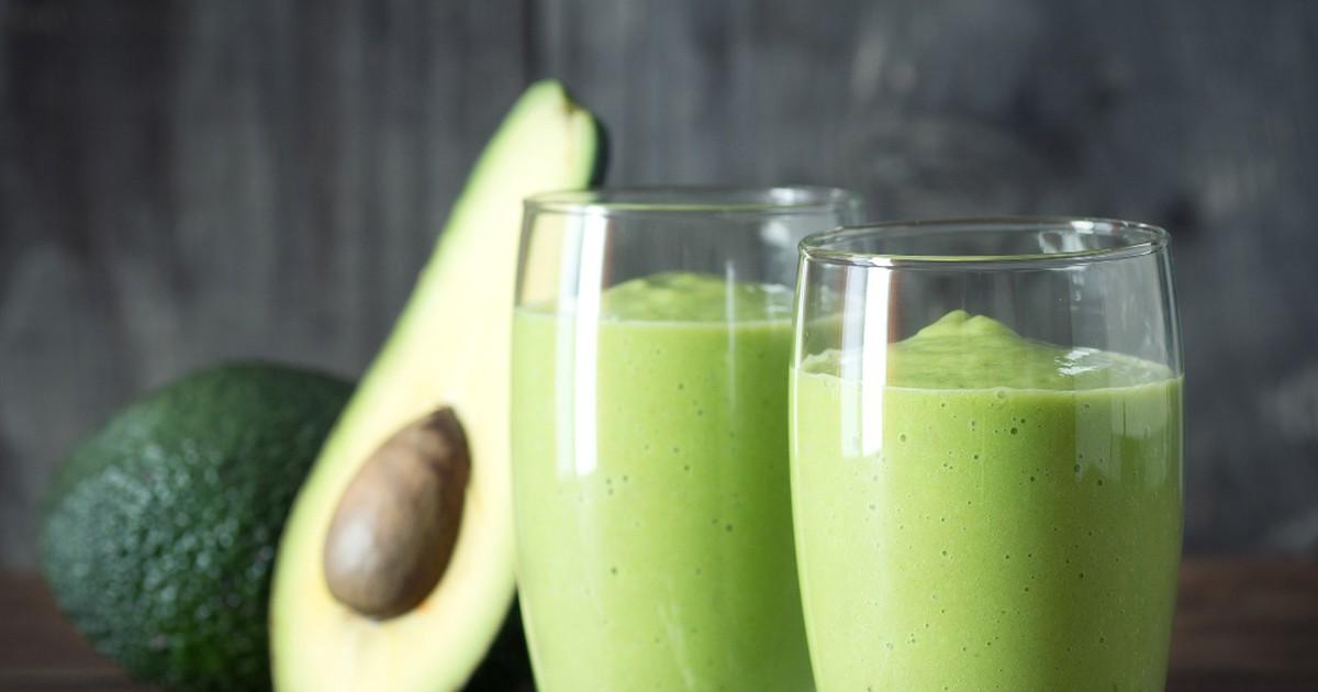 Фото Рецепт приготовления смузи из авокадо, банана и шпината