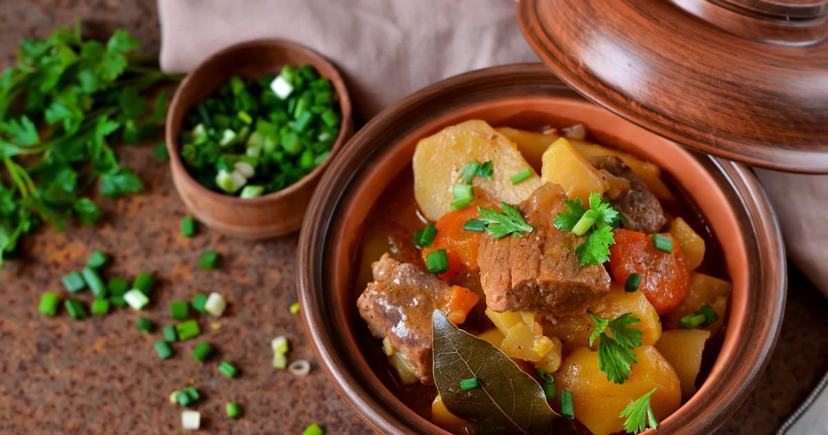Фото Мясо с овощами в горшочках
