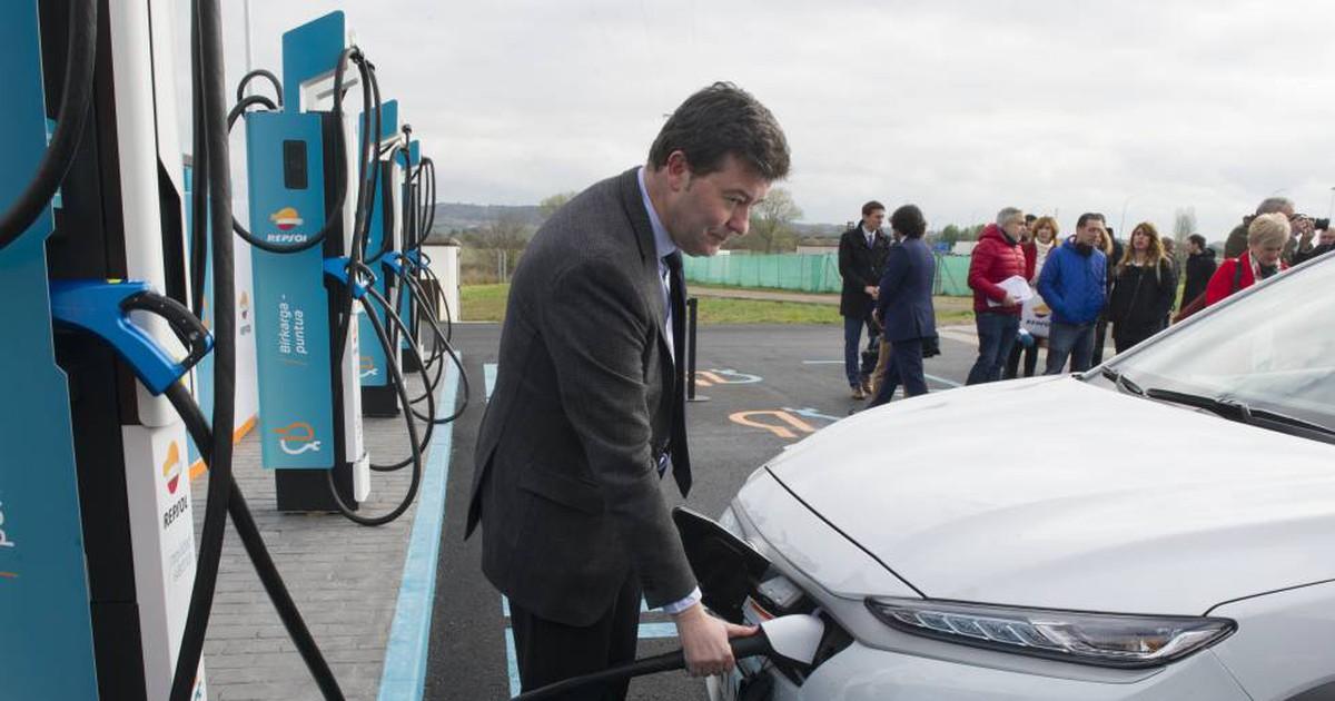 Photo of En España ya se puede cargar el coche eléctrico en seis minutos