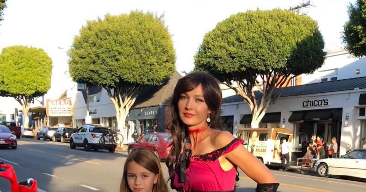 Фото 9-летняя дочь Тодоровского вышла на красную дорожку в Лос-Анджелесе