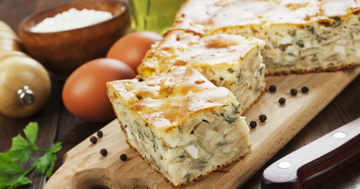 Фото Ароматный капустный пирог с куриными яйцами