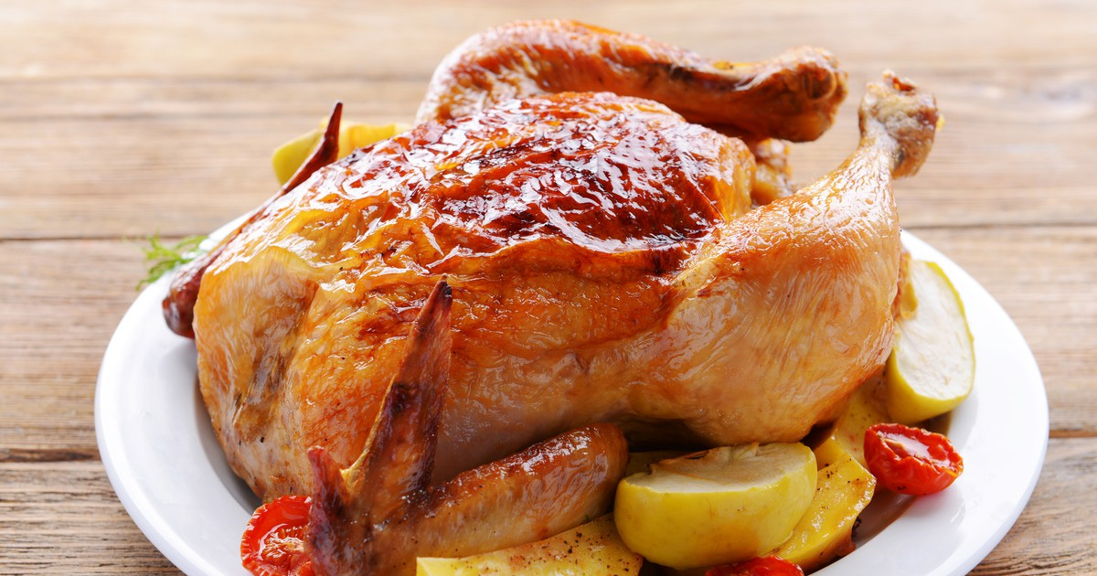 Фото Запеченная курица с яблоками