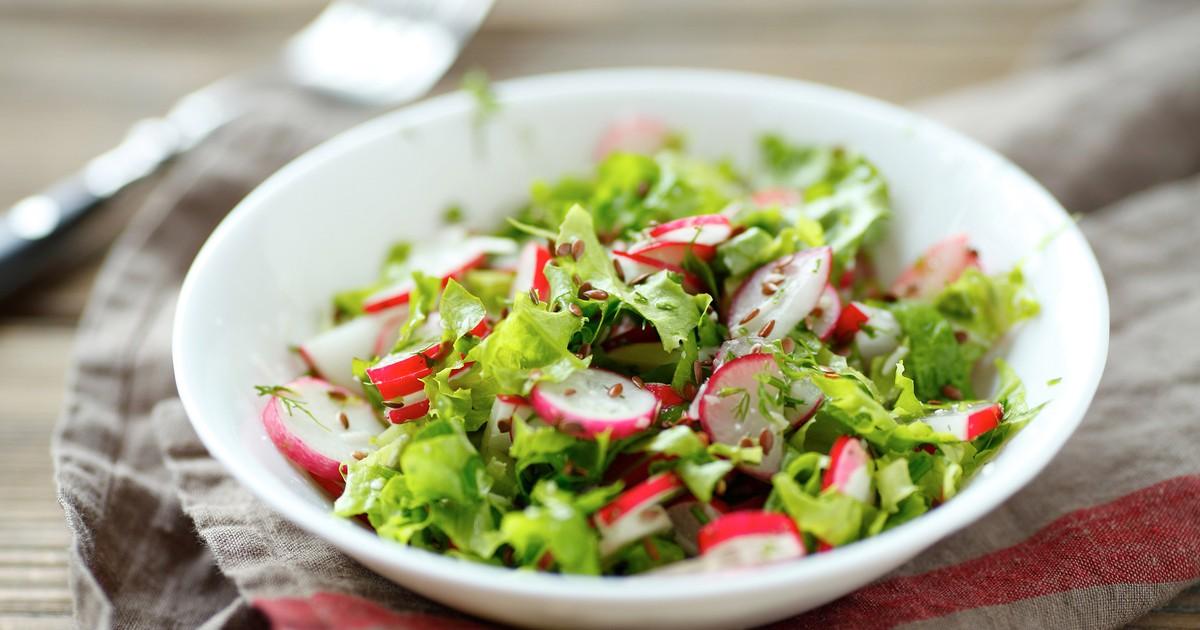 Фото Весенний салат с редиской