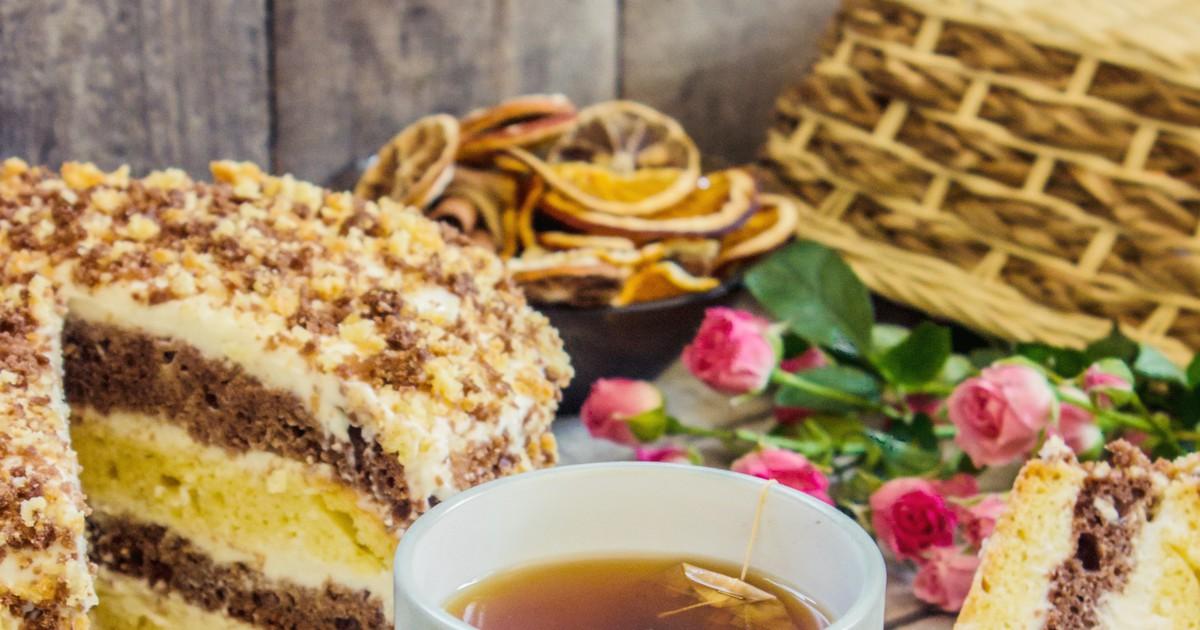 Фото Сметанник с орехами и шоколадом