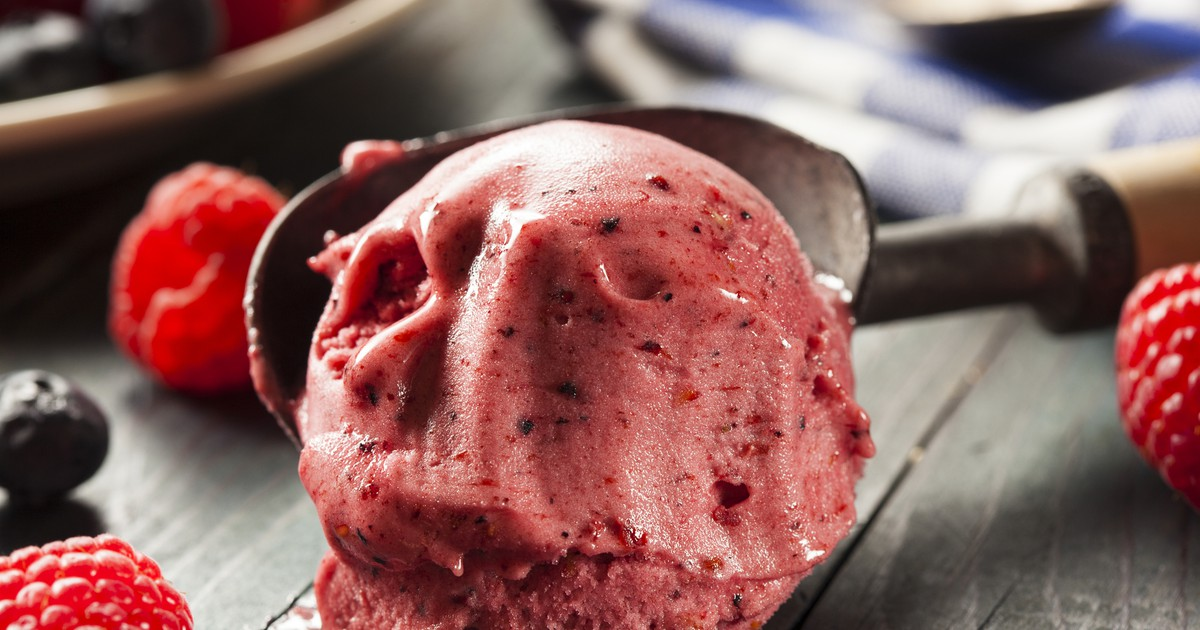 Фото Нежное малиновое мороженое