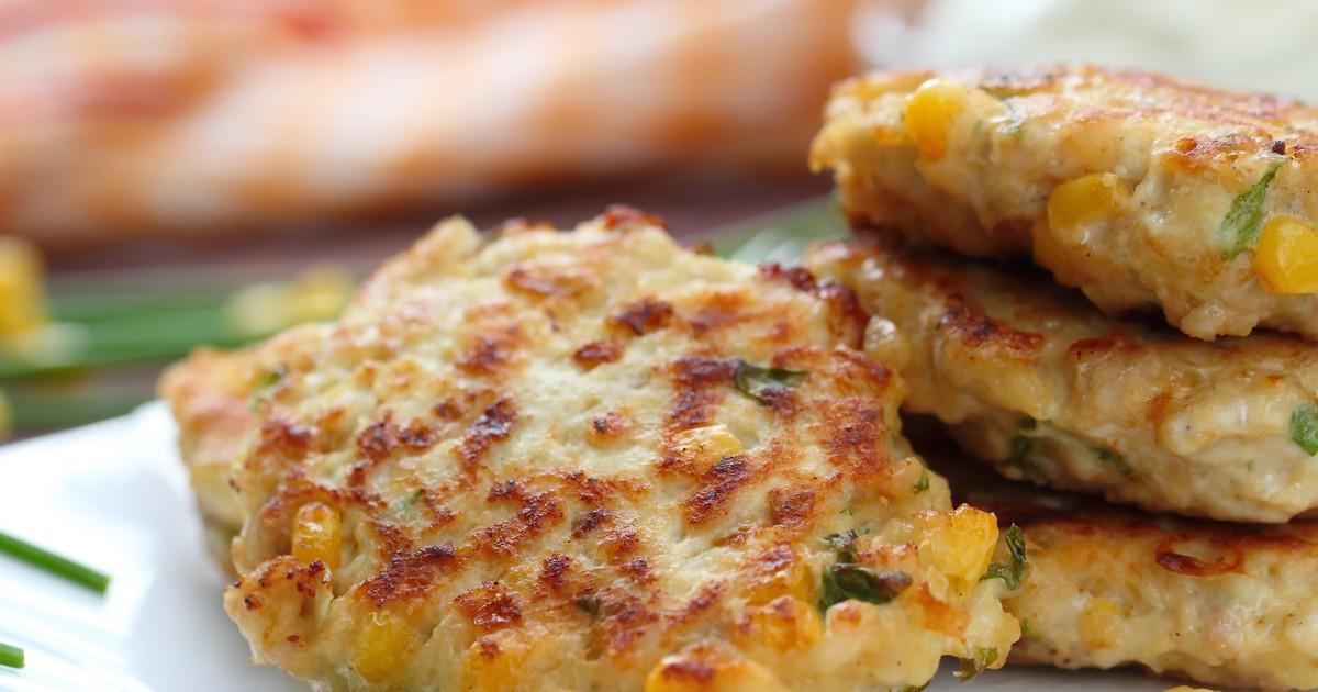 Фото Рубленые котлеты с курицей и кукурузой