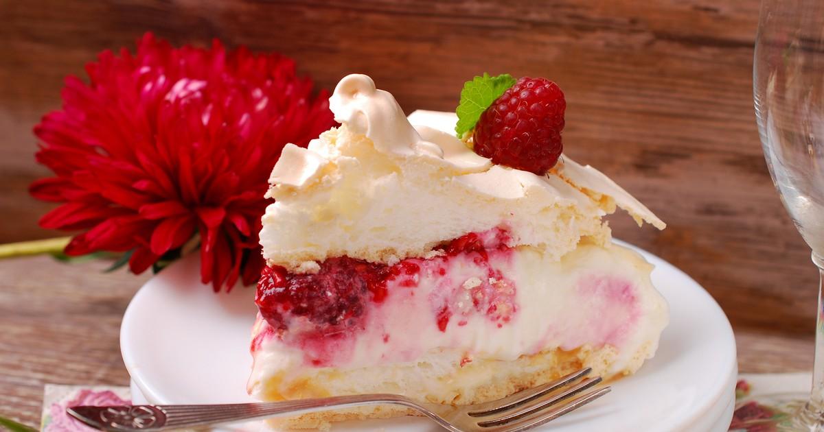 Фото Нежный пирог с малиной